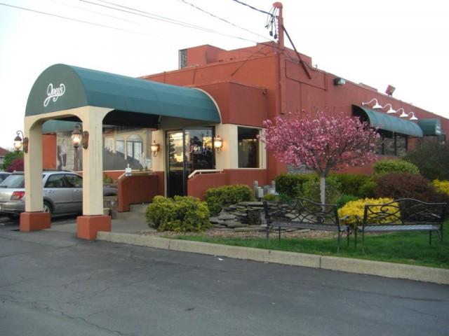 Joey's Italian Restaurant at Carrier Circle